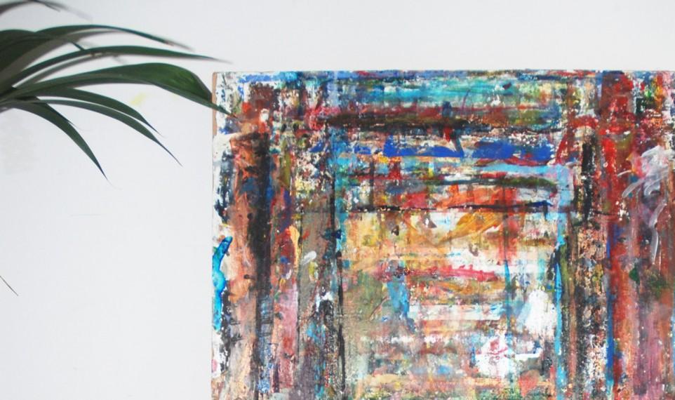 Pannå med målarfärg på i ateljén