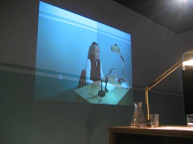 Konstnär Malin Lindmark Vrijman svarar på frågor om konst.