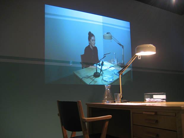 Konstnär Susanne Bonja svarar på frågor om konst.