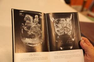 Bok om Lobmeyr: gravyr med Prins Eugen