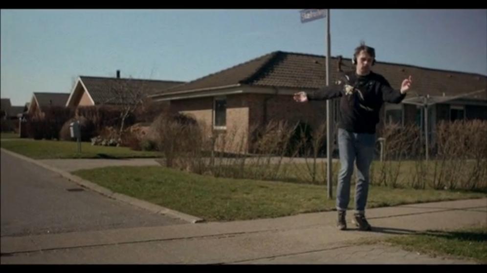 Kristoffer Borgli, Whateverest, video, 15 min, 2012