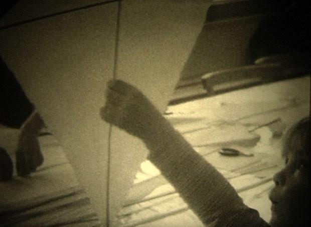 Nadine Byrne: And The Sky so Present and Near, 06.12 min, 8mm till DV, 2011