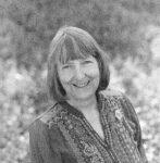 Porträttbild på Carol J. Adams